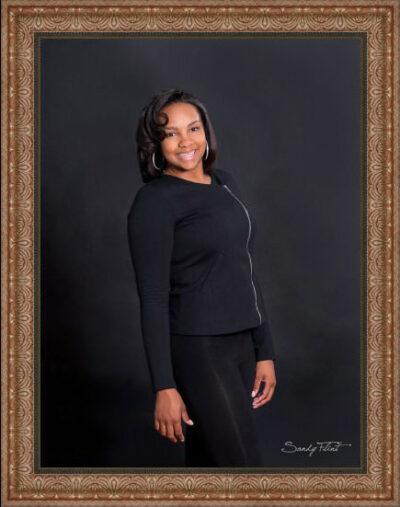 Senior pectures near Katy, Tx made in the portrait studio of Houston senior photographer Sandy Flint | Flint Photography