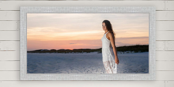 Destination senior poretraits at the beach by Houston senior photographer Sandy Flint | Flint Photography